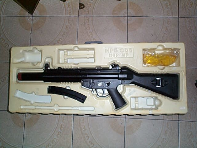 进口mp5 电动枪