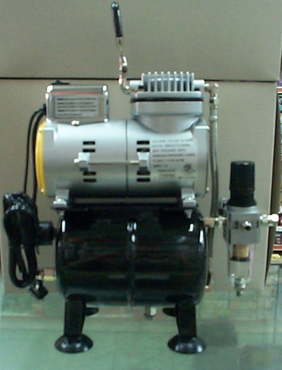 漢弓  TC-610無油式空壓機+濾水杯