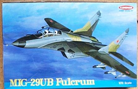 愛德美..1/72  MIG-29UB Fulcrum 戰鬥機--缺貨