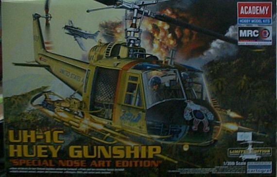 愛德美 No.12701  UH-1C  HUEY GUNSHIP