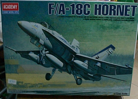 愛德美   No.12411  F/A-18C HORNET